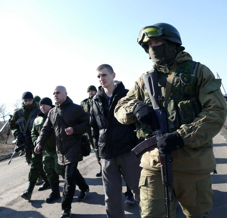 Из плена боевиков «ДНР» освободили трех украинских военных (ФОТО) (фото) - фото 1