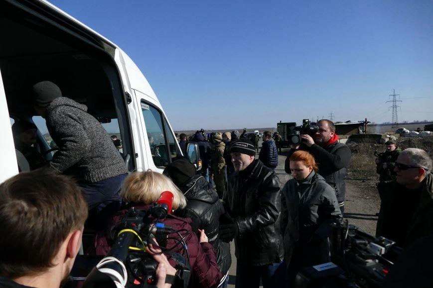 Из плена боевиков «ДНР» освободили трех украинских военных (ФОТО) (фото) - фото 2