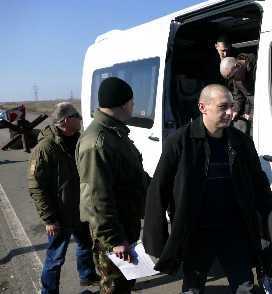 Из плена боевиков «ДНР» освободили трех украинских военных (ФОТО) (фото) - фото 3