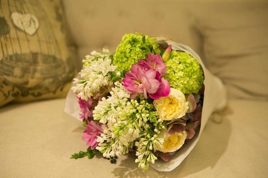 Успейте сделать предзаказ цветов на 8-ое марта в цветочной мастерской ESTEL' (фото) - фото 1