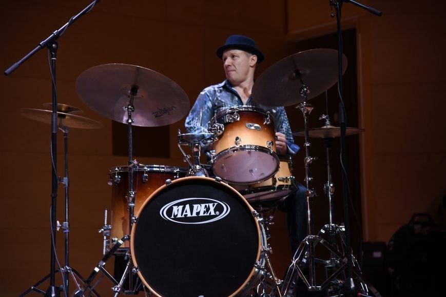 В новой Москве в Троицке прошел концерт талантливого итальянского гитариста  Алессио Менкони (ФОТО), фото-4