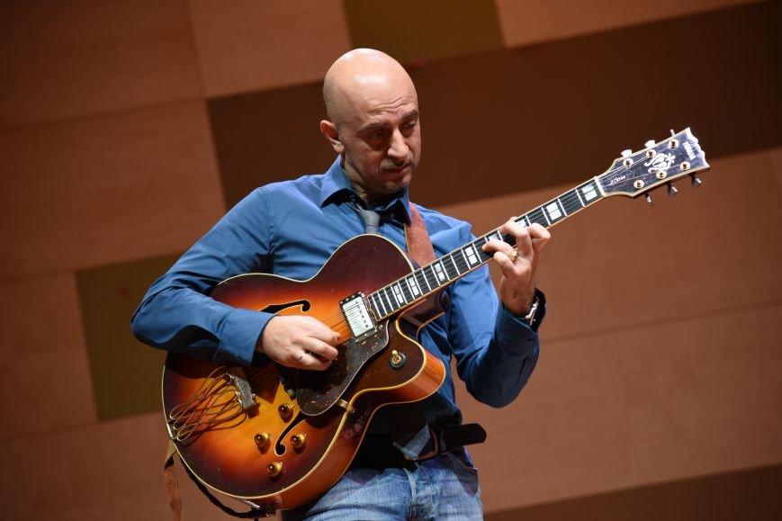 В новой Москве в Троицке прошел концерт талантливого итальянского гитариста  Алессио Менкони (ФОТО), фото-2