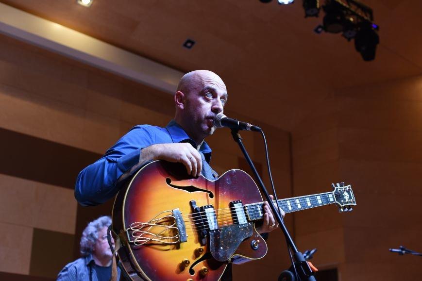 В новой Москве в Троицке прошел концерт талантливого итальянского гитариста  Алессио Менкони (ФОТО), фото-1