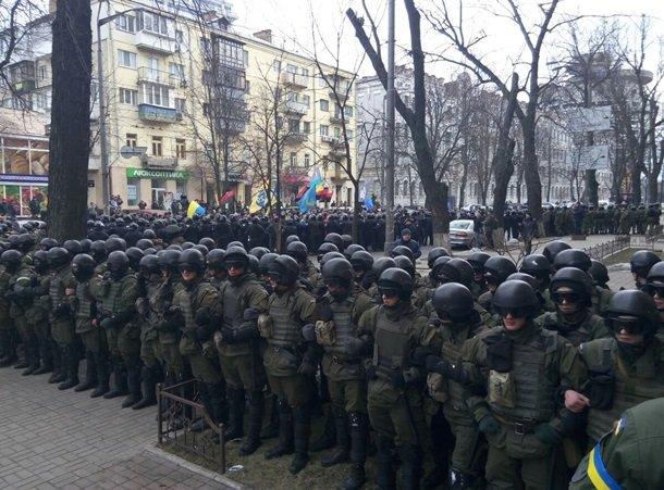 Киев лихорадит: активисты перекрыли Крещатик, собираются ночевать (фото) - фото 2