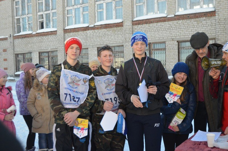 В южной части Полевского состоялись традиционные соревнования по биатлону на  приз заслуженного учителя РСФСР Геннадия Чебыкина (фото) - фото 2