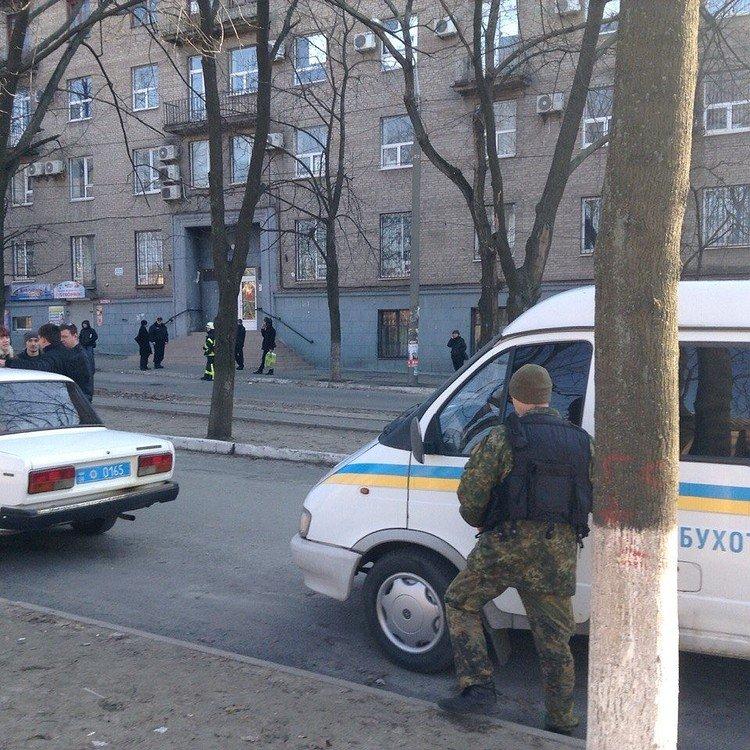 Неизвестные из Днепропетровска терроризируют Запорожье, фото-3