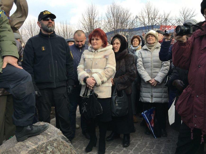 Семенченко на вече: То, что начато в Кривом Роге, это также важно, как и Майдан в Киеве! Это тоже фронт! (ФОТО) (фото) - фото 1
