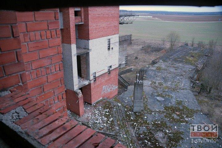 Здание аэровокзала в Обухово, которое не желают покупать даже за одну базовую: взгляд изнутри (фоторепортаж) (фото) - фото 10