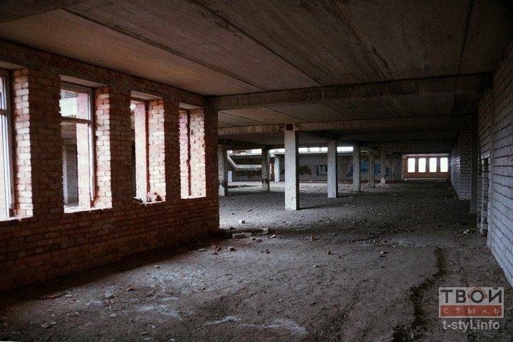 Здание аэровокзала в Обухово, которое не желают покупать даже за одну базовую: взгляд изнутри (фоторепортаж) (фото) - фото 17