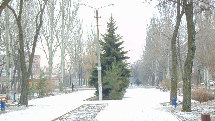 Мариупольская зима пыталась отстаивать свои права (ФОТОФАКТ) (фото) - фото 1