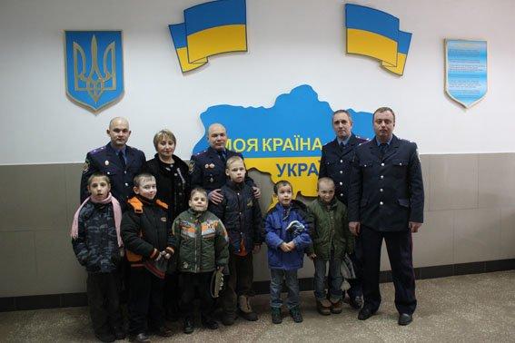 Славянские правоохранители посетили детей школы-интерната (фото) - фото 8
