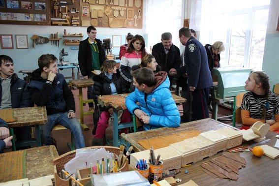 Славянские правоохранители посетили детей школы-интерната (фото) - фото 7