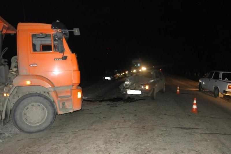 В Белгородской области «КамАЗ» протаранил легковушку (фото) - фото 1