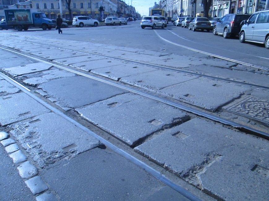 124ff78c1be608ac7c43b2ef9bed99ae Вечная пробка: В центре Одессы дороги пришли в негодность или перерыты коммунальщиками