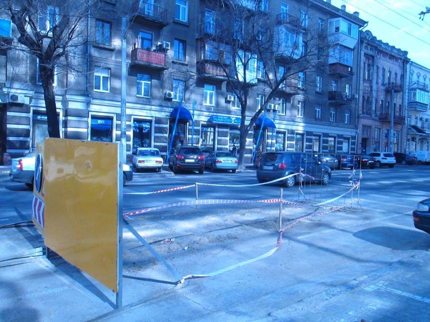 3f8924b49b1a97b23249ce291a1a0657 Вечная пробка: В центре Одессы дороги пришли в негодность или перерыты коммунальщиками