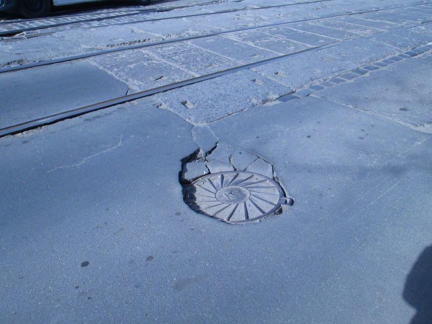 d57e7f0b59a9ffe74108d17ed78b5435 Вечная пробка: В центре Одессы дороги пришли в негодность или перерыты коммунальщиками