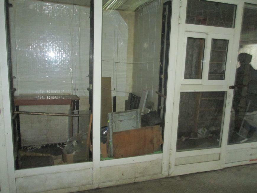 В переходе у одесского ж/д вокзала сносят киоски (ФОТО) (фото) - фото 1