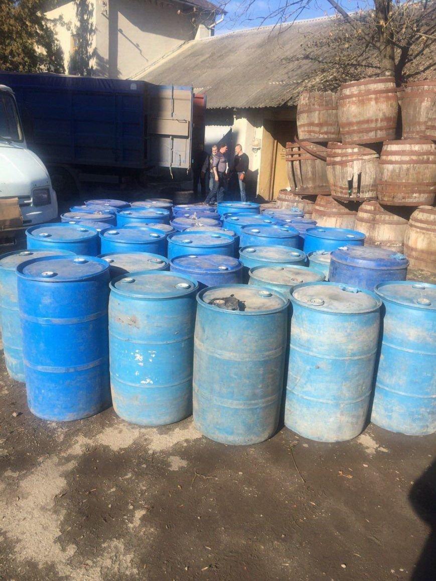 Буковинські СБУшники затримали 11 тонн нелегального спирту, фото-1
