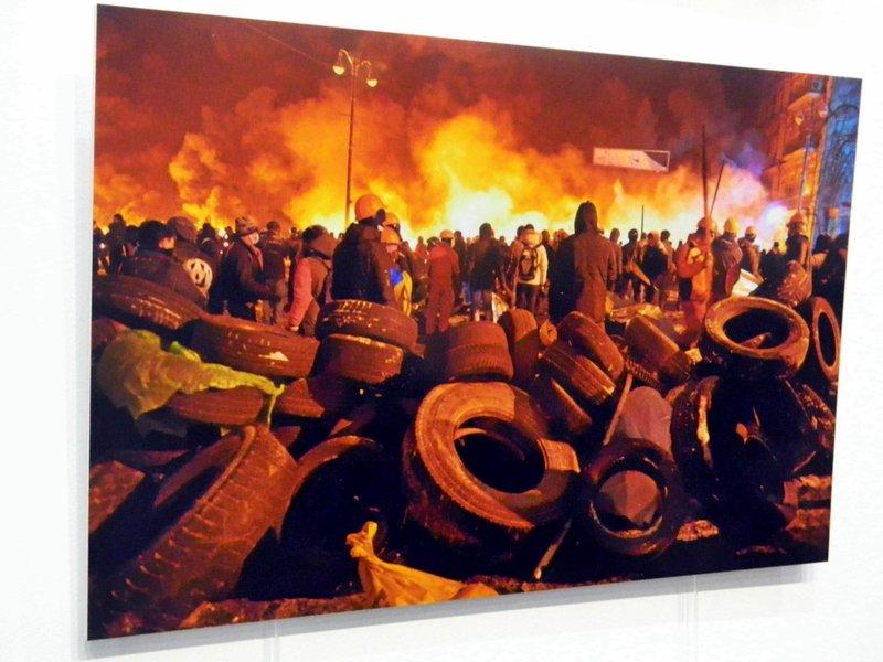 В Запорожье Небесной сотне посвятили открытие фотовыставки о Майдане(ФОТО) (фото) - фото 3