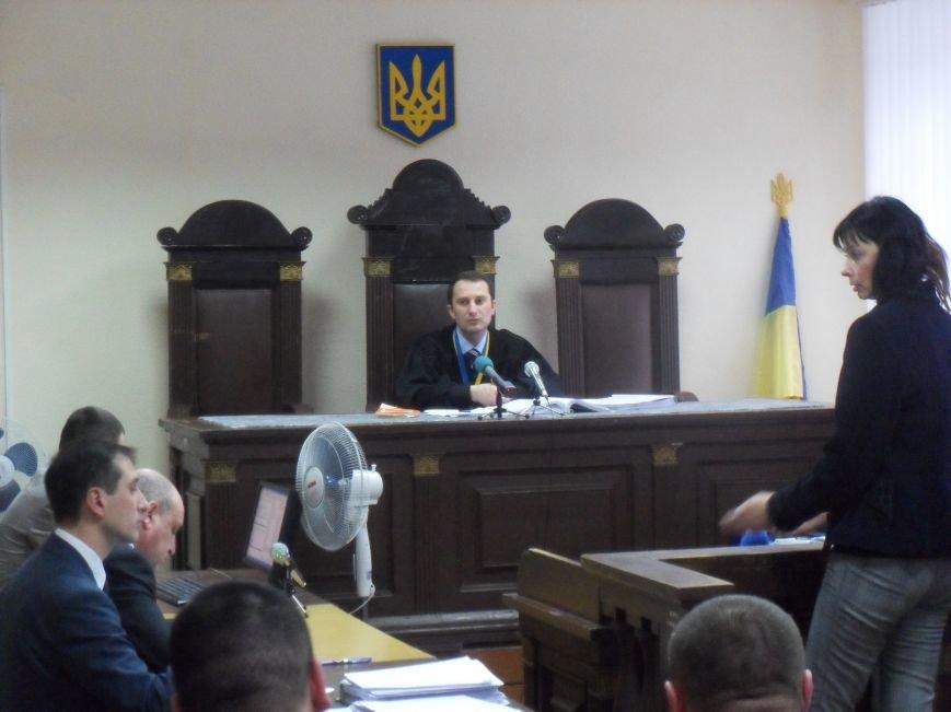 Суд над Кернесом в Полтаве: маникюр, Вася Салыгин и Гестапо (фото) - фото 1