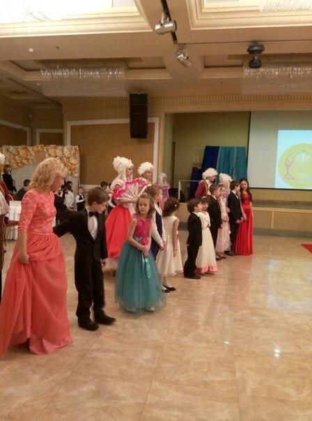 В Днепропетровске прошёл единственный в Украине детский бал-маскарад (ФОТО) (фото) - фото 1