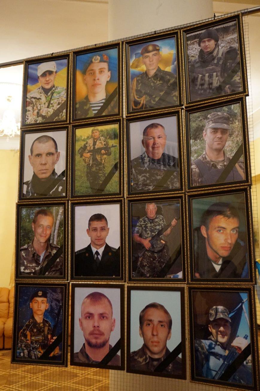 В годовщину выхода из Дебальцево награды погибших бойцов батальона