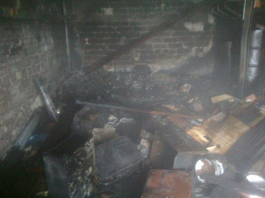 На улице Маяковского в Днепродзержинске горел гараж (фото) - фото 2