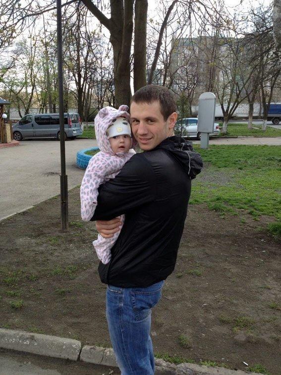 Ровно год назад житель Красноармейска офицер Виталий  Мандрык отдал свою жизнь за спокойствие в наших домах (фото) - фото 3