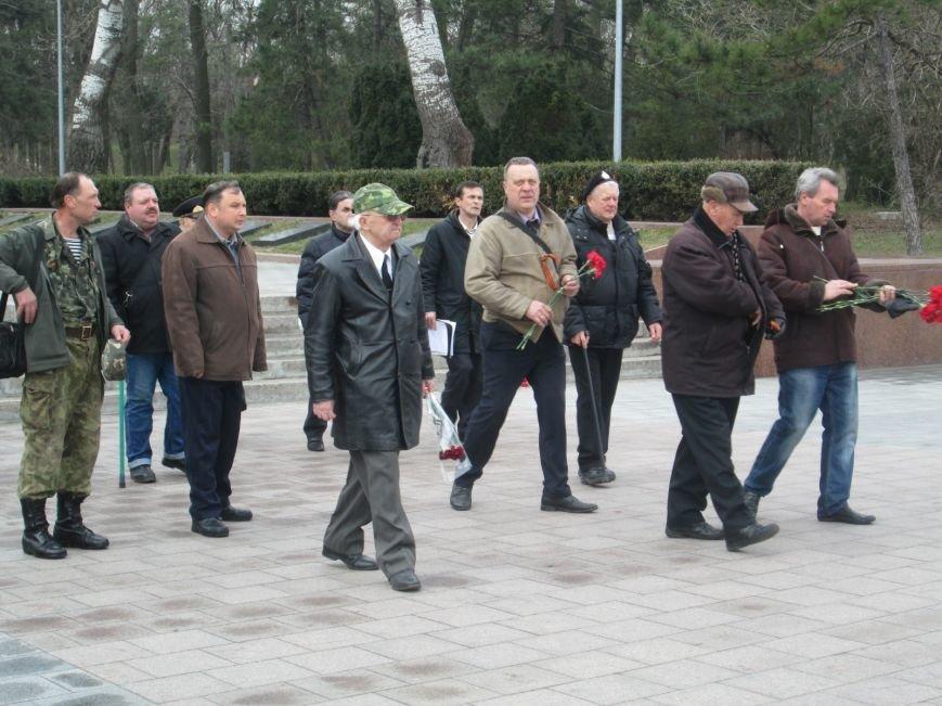 cb786277f673bd2cbec71c8c99431fae В Одессе День советской армии сепаратисты отметили с власовскими лентами