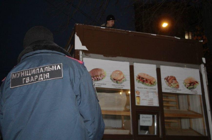 На ул.Глинки сносят МАФы (ФОТО) (фото) - фото 4