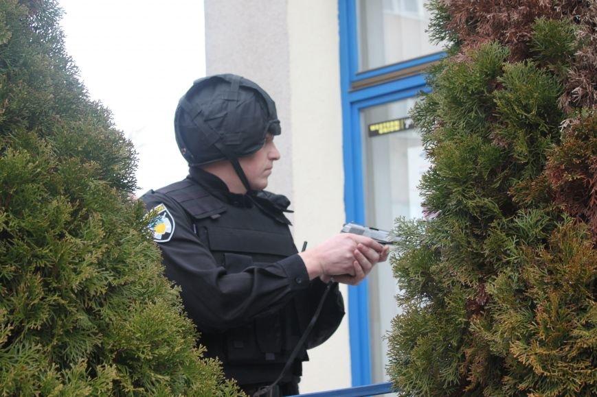 Як ужгородські поліцейські затримували грабіжника банку? (ФОТО), фото-4