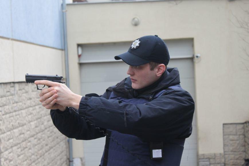 Як ужгородські поліцейські затримували грабіжника банку? (ФОТО), фото-7