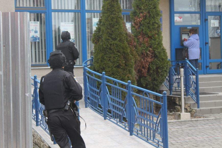 Як ужгородські поліцейські затримували грабіжника банку? (ФОТО), фото-3