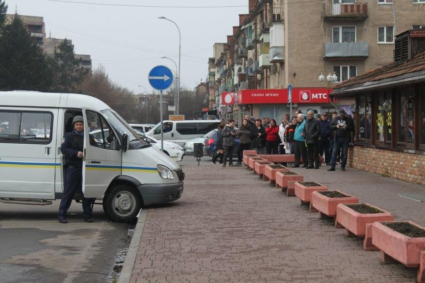 Як ужгородські поліцейські затримували грабіжника банку? (ФОТО), фото-2