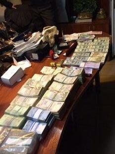 На Днепропетровщине разоблачили сеть незаконных пунктов обмена валюты (ФОТО) (фото) - фото 2