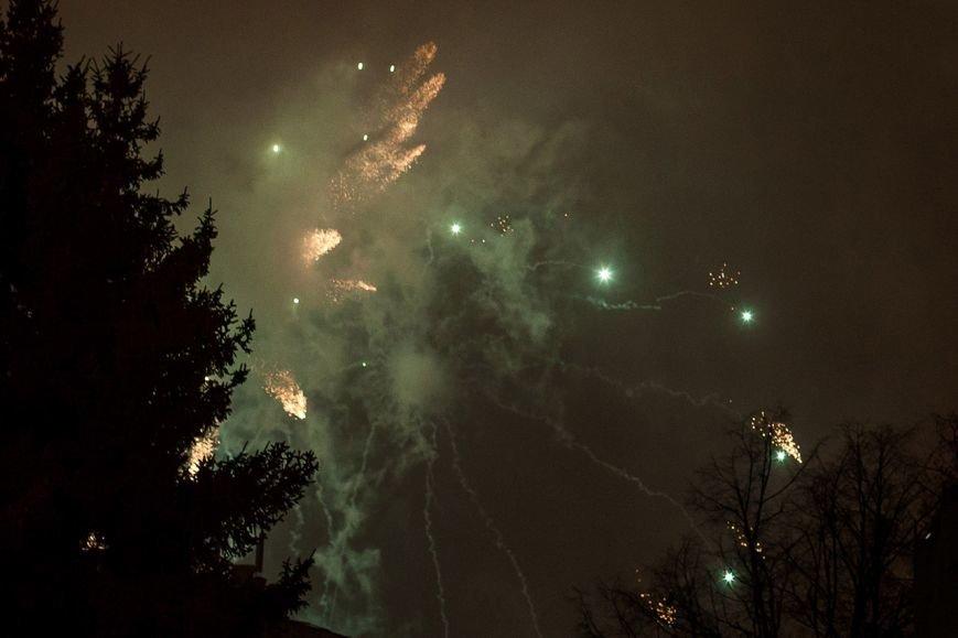 В Белгороде впервые 23 февраля отпраздновали с фейерверком (фото) - фото 1