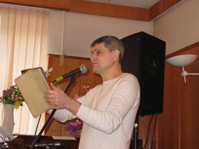 Его стихи и песни ждут: в Пушкине прошел творческий вечер А. Грицана (фото) - фото 1