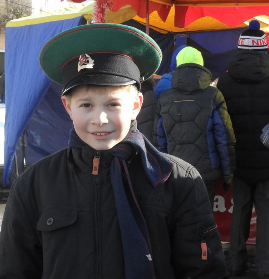 Полевая кухня и «захват заложников». В Витебске на главной площади отметили День защитника Отечества, фото-7