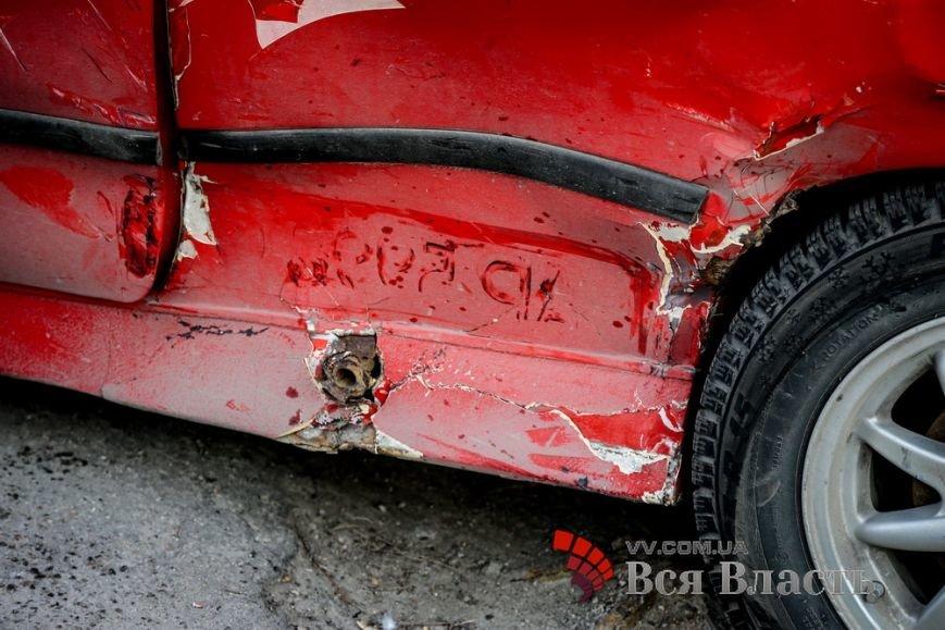 В Запорожье бандиты совершили ДТП, убегая с миллионом (ФОТО) (фото) - фото 3