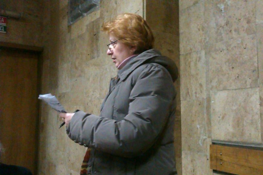 В Днепродзержинске обсудили проблему демонтированных памятников и памятных знаков тоталитарной эпохи (фото) - фото 2