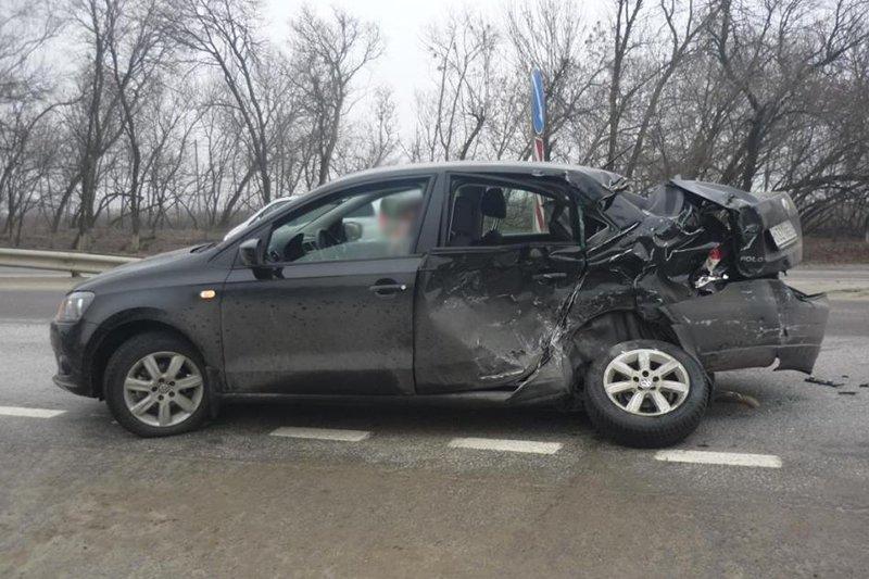 В Белгородском районе легковушка столкнулась с тягачом, фото-1