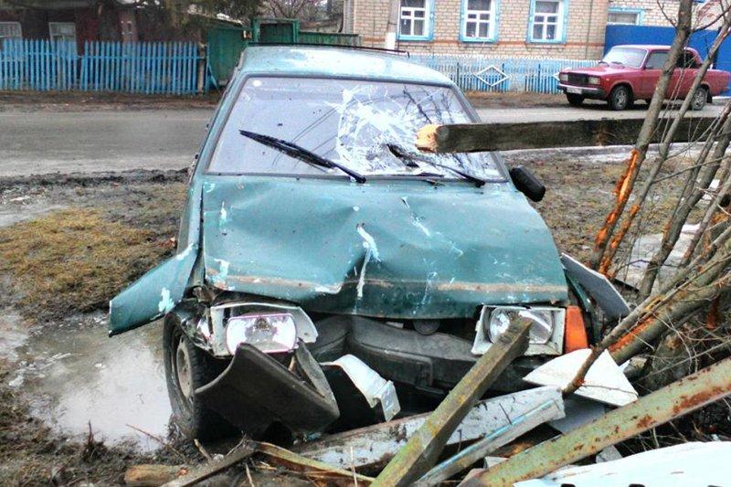 В Белгородском районе легковушка столкнулась с тягачом (фото) - фото 4