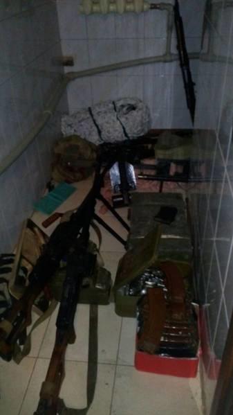 Под Донецком в частном доме найден крупный тайник с оружием (ФОТО) (фото) - фото 1