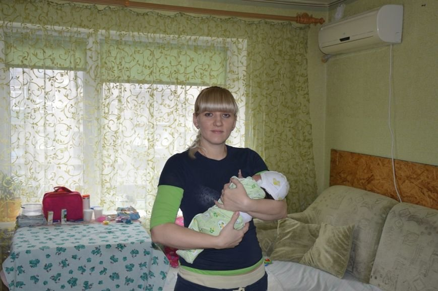 С начала года Авдеевский коксохим оказал поддержку девяти семьям с новорожденными детьми (ФОТО), фото-1