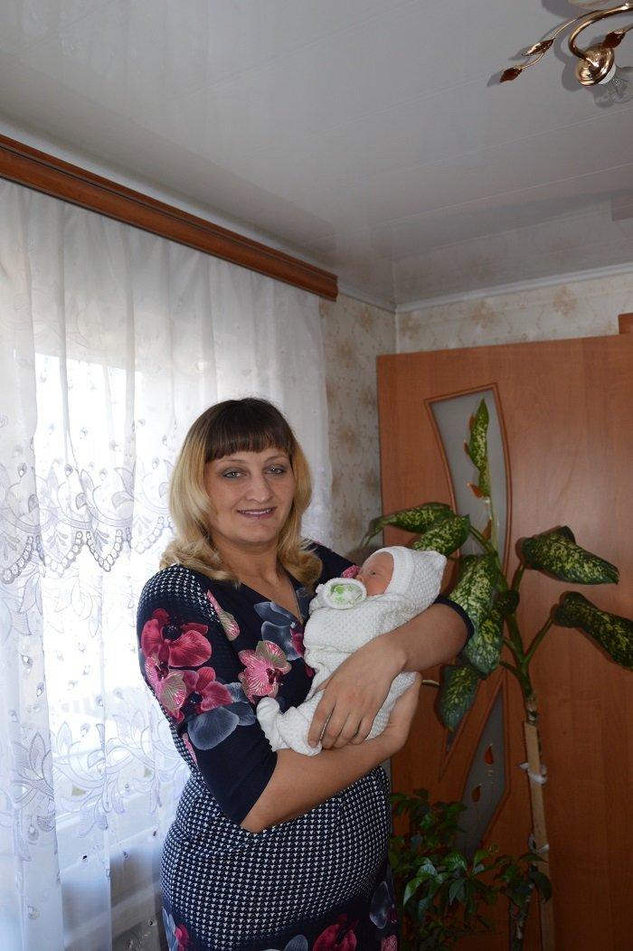 С начала года Авдеевский коксохим оказал поддержку девяти семьям с новорожденными детьми (ФОТО), фото-5