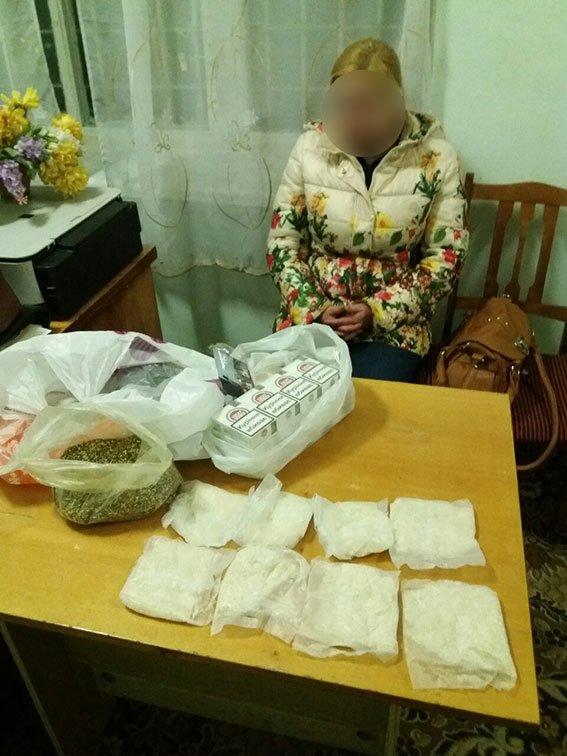 В Сумах за передачу в СИЗО наркотиков для возлюбленного девушка может получить до 10 лет (ФОТО) (фото) - фото 1