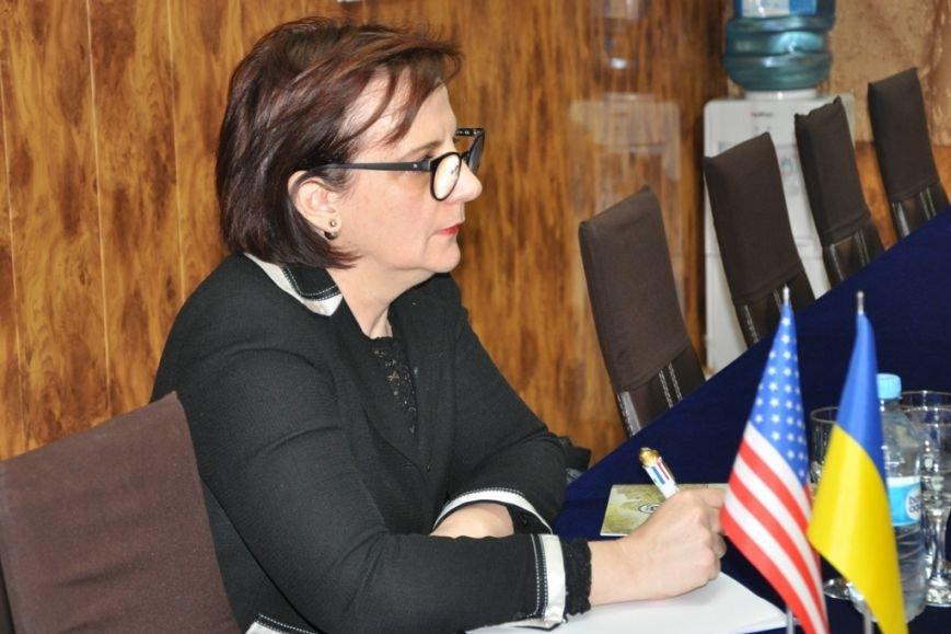 8964425c2b5c24412dd3d18fbff69776 В Одессе украинские моряки встретились с американскими дипломатами