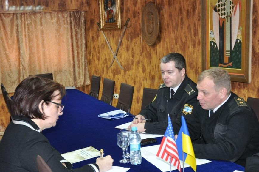 bc0a9f9d36ff494dcc14f0ededebb836 В Одессе украинские моряки встретились с американскими дипломатами