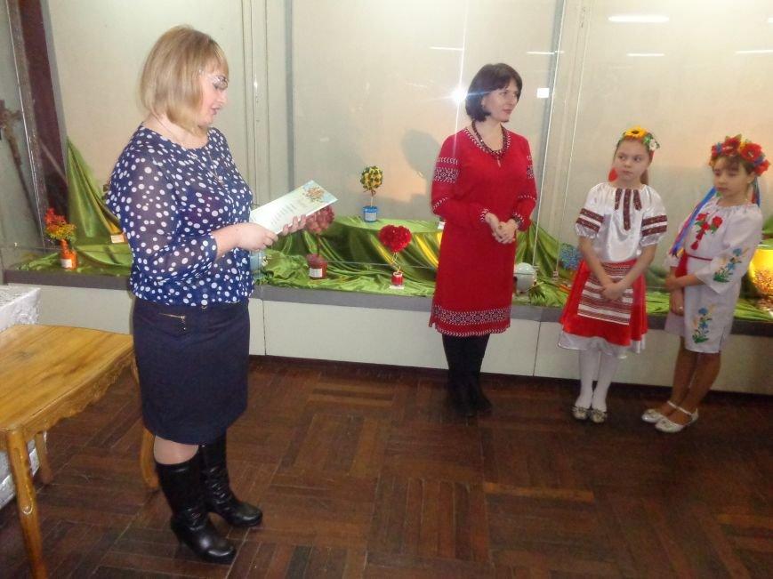 В Красноармейске состоялось награждение юных дарований выставки-конкурса «Таланти твої, Україно!» (фото) - фото 18