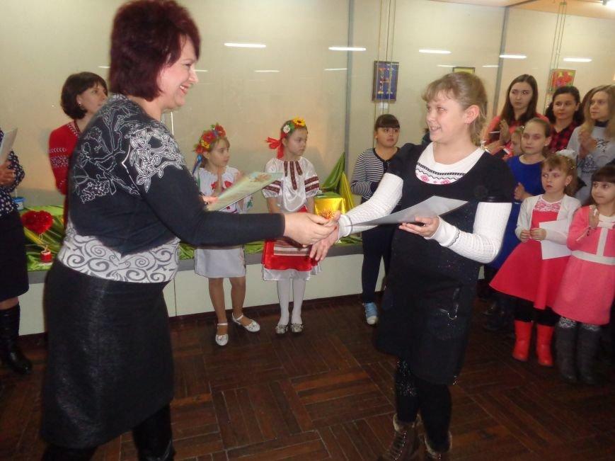 В Красноармейске состоялось награждение юных дарований выставки-конкурса «Таланти твої, Україно!» (фото) - фото 8